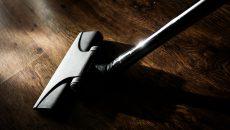 Wer kennt die Situation nicht: beim Saugen im Haus oder in der Wohnung ist ständig das Kabel im Weg. Befindet sich die Wohnfläche auf zwei Etagen, muss man den Sauger […]